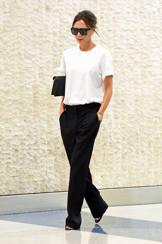 28 Of The Best Victoria Beckham Outfits 19.jpg