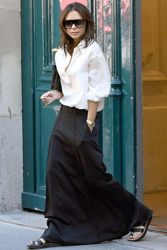 28 Of The Best Victoria Beckham Outfits 21.jpg