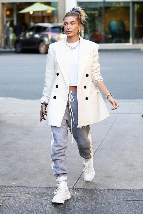 27 OF The Best Hailey Bieber Outfits (Hailey Baldwin Style) 4.jpg