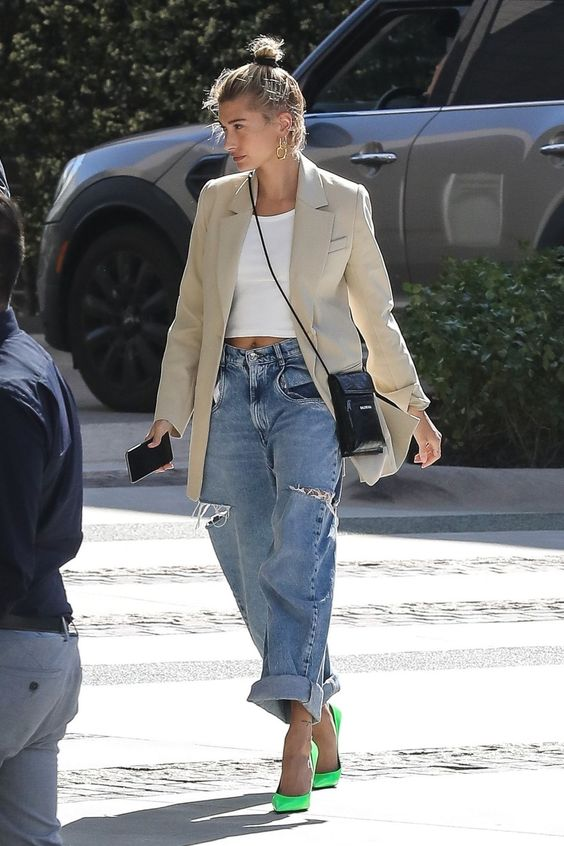 27 OF The Best Hailey Bieber Outfits (Hailey Baldwin Style) 25.jpg