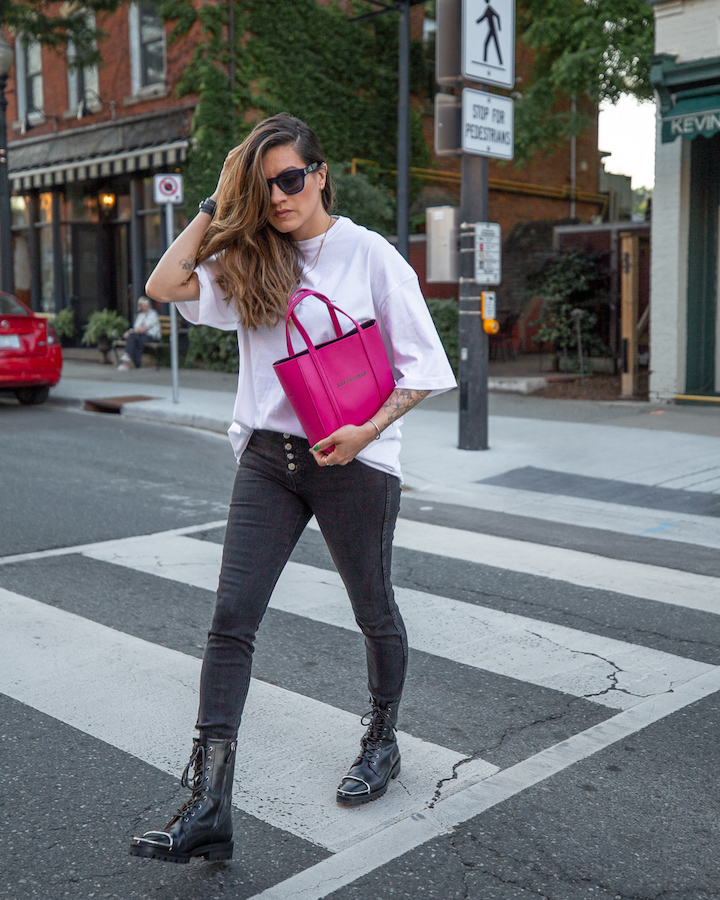nathalie martin, white oversized balenciaga small logo tshirt, magenta pink xxs everday tote, button fly skinny jeans, Alexander Wang Kennah boots, woahstyle.com, street style_0211.jpg