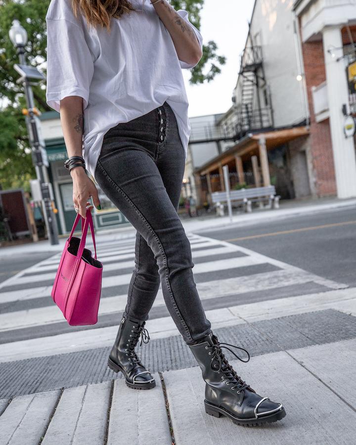 nathalie martin, white oversized balenciaga small logo tshirt, magenta pink xxs everday tote, button fly skinny jeans, Alexander Wang Kennah boots, woahstyle.com, street style_0290.jpg