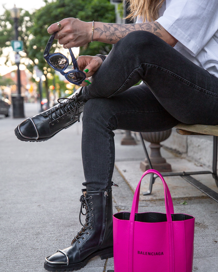 nathalie martin, white oversized balenciaga small logo tshirt, magenta pink xxs everday tote, button fly skinny jeans, Alexander Wang Kennah boots, woahstyle.com, street style_0378.jpg