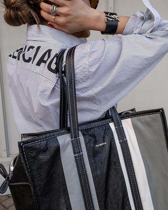 nathalie martin, balenciaga logo shirt, black wool pants, white converse one star sneakers, balenciaga medium bazar tote bag grey and black, street style, woahstyle.com_1363.jpg