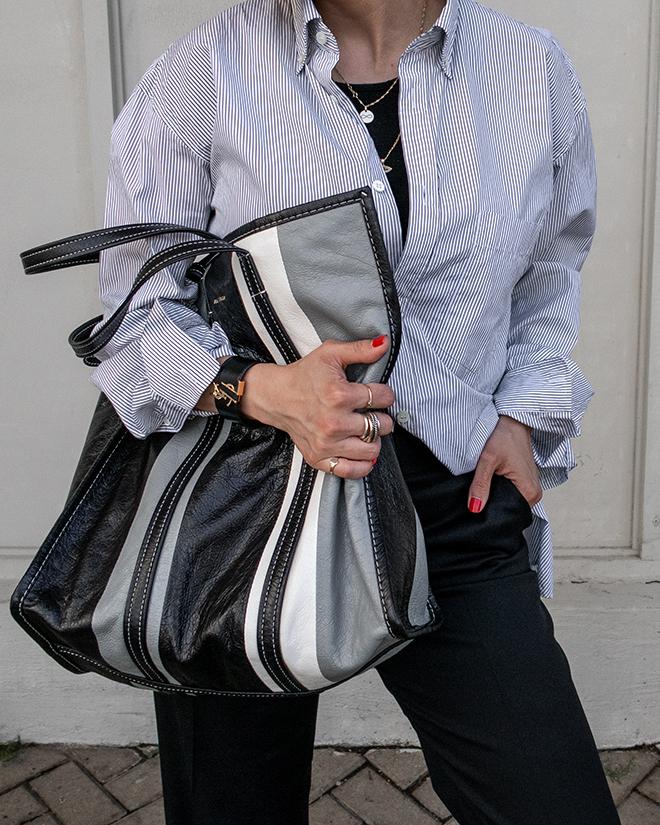 nathalie martin, balenciaga logo shirt, black wool pants, white converse one star sneakers, balenciaga medium bazar tote bag grey and black, street style, woahstyle.com_1355.jpg
