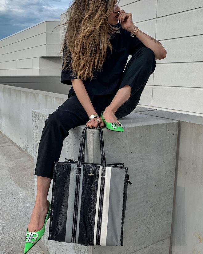 nathalie martin, all black outfit, alc trousers, Balenciaga green florescent flat BB slingback mules, balenciaga medium bazar tote bag grey and black, street style, woahstyle.com.jpg