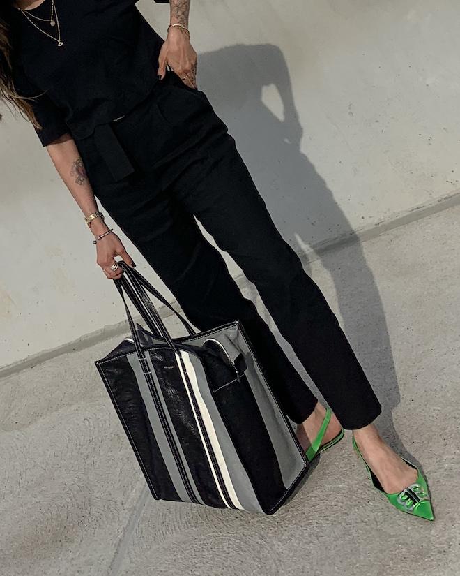 nathalie martin, all black outfit, alc trousers, Balenciaga green florescent flat BB slingback mules, balenciaga medium bazar tote bag grey and black, street style, woahstyle.com_4196.jpg