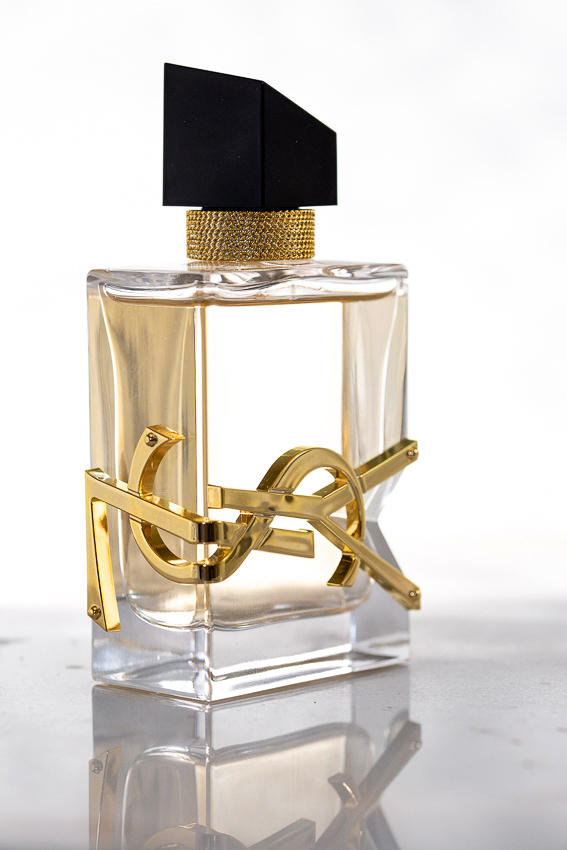 YSL Beauty LIBRE fragrance perfume, lavender, orange blossom scent, YSL leather cuff bracelet, david yurman cable bracelet, ring, diptyque candle, marble tray, beauty blog, woahstyle.com_2119.jpg