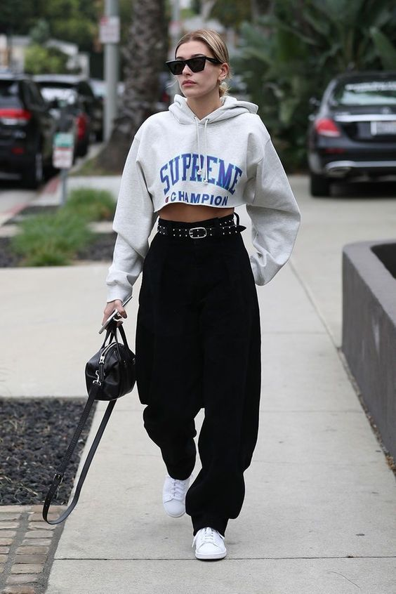 13 Hailey Bieber Outfits To Copy 4.jpg