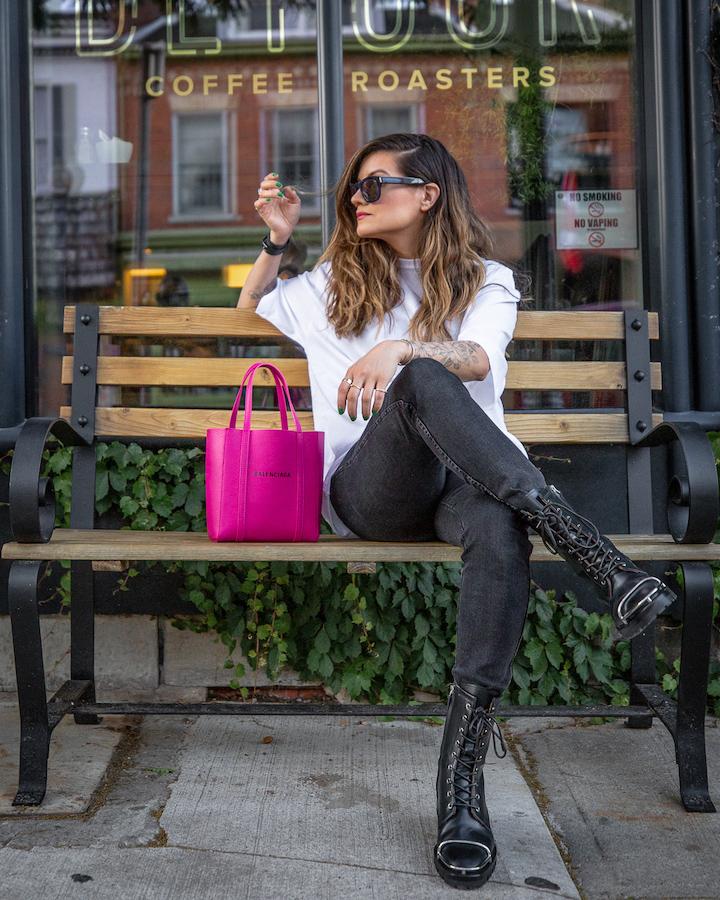 nathalie+martin,+white+oversized+balenciaga+small+logo+tshirt,+magenta+pink+xxs+everday+tote,+button+fly+skinny+jeans,+Alexander+Wang+Kennah+boots,+woahstyle.com,+street+style_0363.jpg