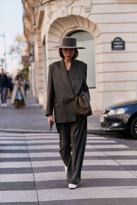 Instagram @_NathalieMartin - Top Trends for fall 2019, oversized blazers, neutral tones street style, woahstyle.com.jpg