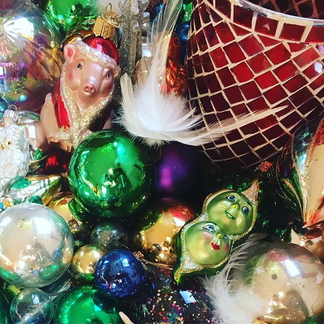 Resting ornaments