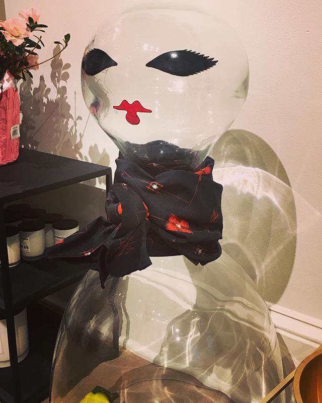 Kasuri Scarf on display 👌@ouimillie  #kasuri #spring #scarf #scarves #mensaccesories #dapper #womenaccessories #japanesefabric #indigo #blue #aizome #handdyed #handsewn #limitededition #sourcedinjapan #bostonmade #madeinusa