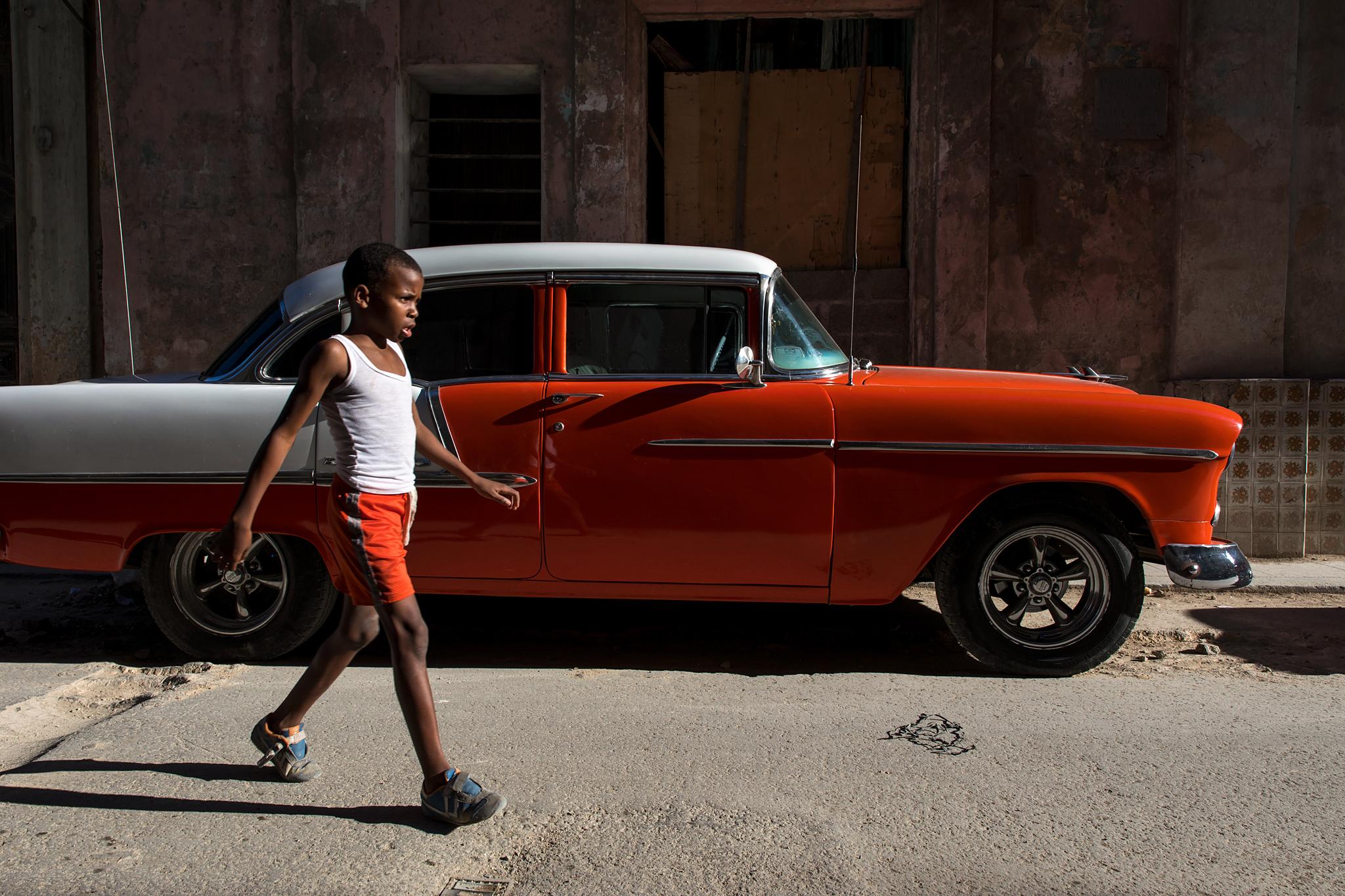 fb.cc.3.27.2017.Boy_and_vintage_car_Havana_Cuba_K9A5137.jpg