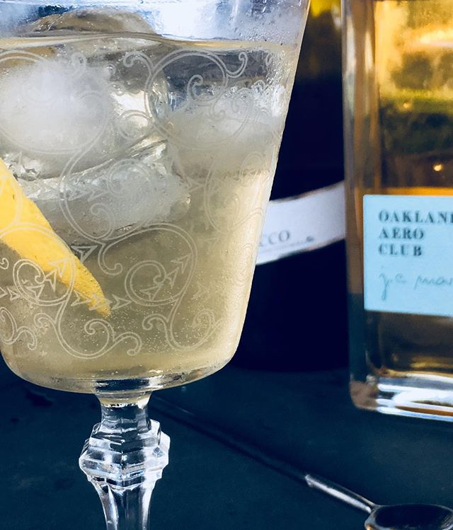 We've been teasing out some recipes with our newest brand/expression. Oakland Aero Club's J.C. Mars bitter liqueur. We're calling it the Uptown Spritz but names shmames. 1.5oz J.C. Mars, 2.5oz Prosecco, .5oz lemon juice, .5oz mesquite honey syrup (1:1), over ice, expressed lemon peel. More to come...