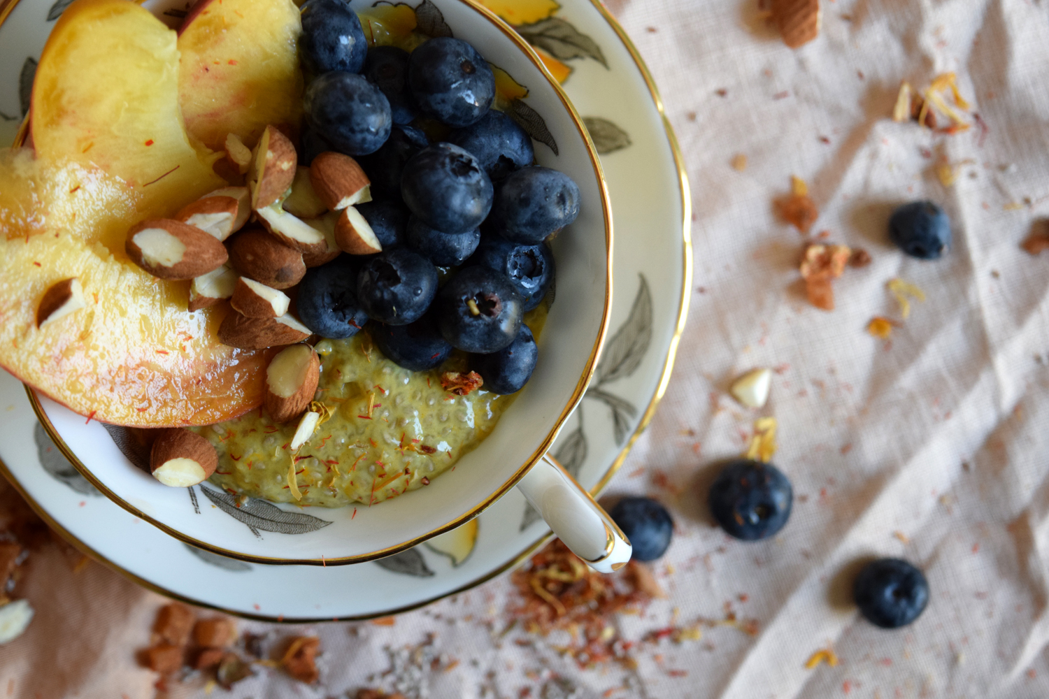 vegan tropical mango coconut chia pudding