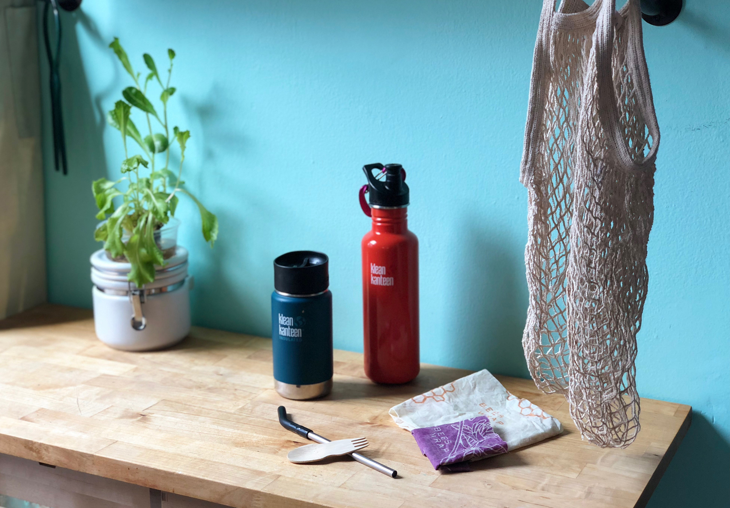 My go-kit of reusable items that help me reduce my plastic waste on a daily basis.