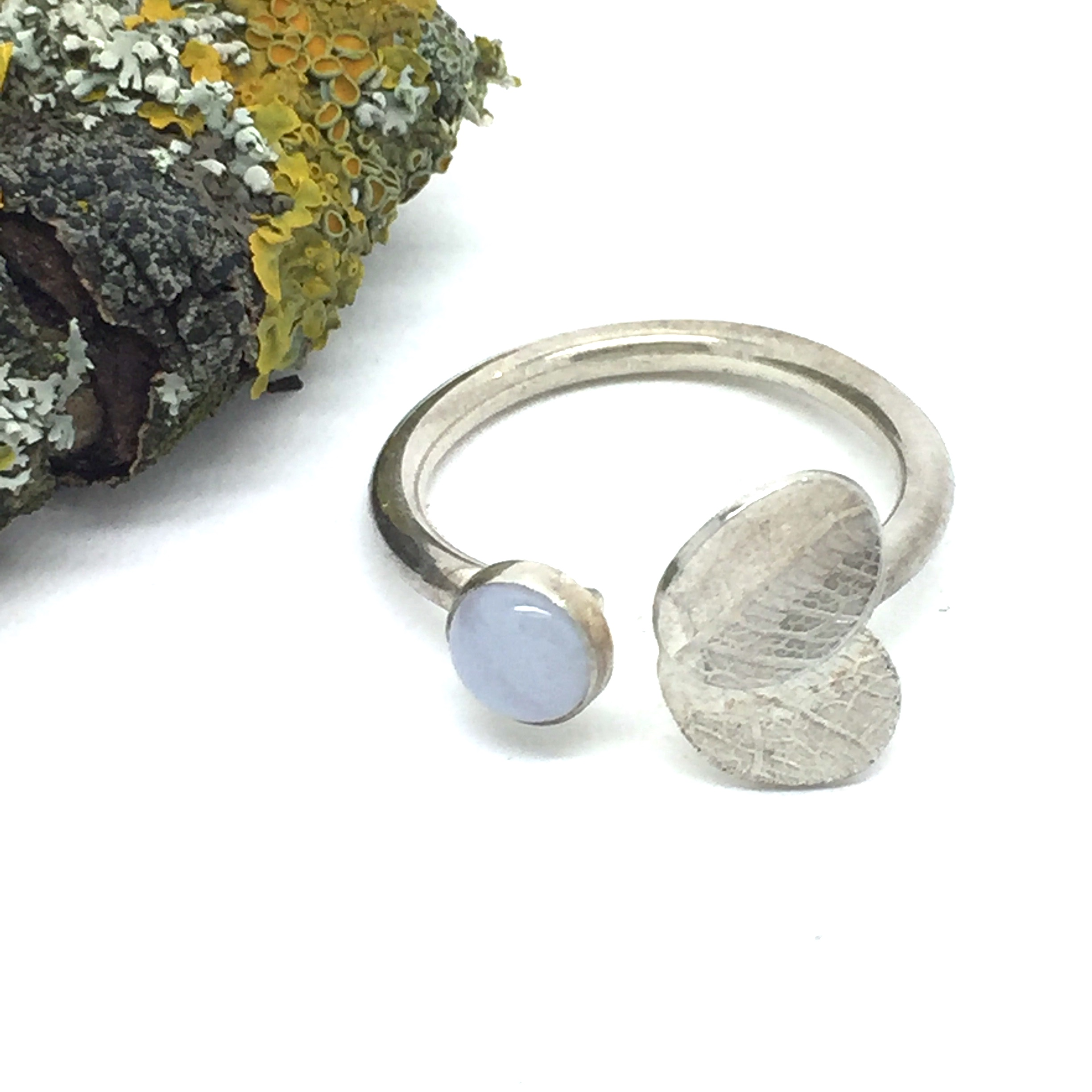 stone set adjustable Ring  Create a unique ring that is adjustable to wear on different fingers. Or a good opTion if making a gift for someone and your not sure of their ring size.  Explore texture on metal soldering techniques forming a ring and the fundamentals of setting a cabochon semi precious gem stone.  £95 per person MiniMum 2 Max 5 in class