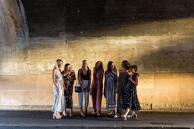 Golden light in a random tunnel in Sydney with these girls ❤️ Family reunion at its best!@featherandnoise . . . . . #jayliozphotography #realisbetter #familyphotographersydney #familyreunion #familyphotography #authenticfamilyphotography #sydneyphotographer #documentaryfamilyphotography #subjectlight #chasingthegoldenlight