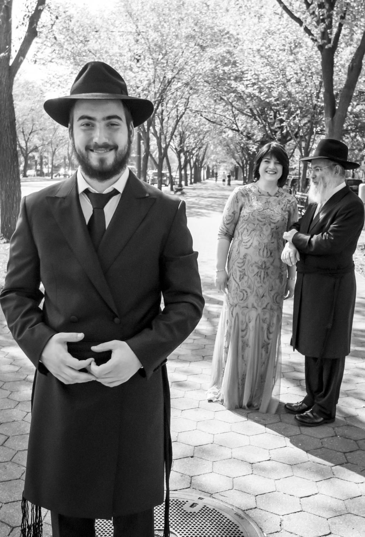 Capturing Tradition: an Orthodox Jewish Wedding in Brooklyn I Image Copyright Alberto Lama Photography