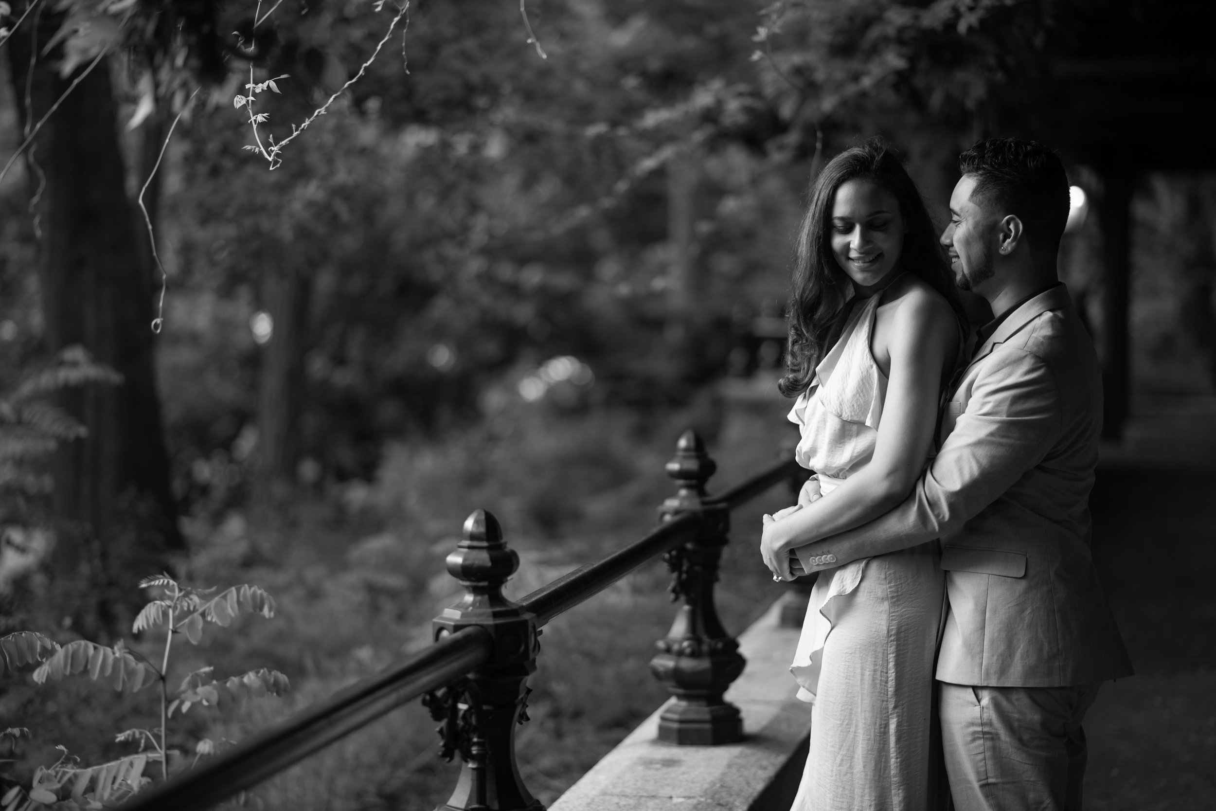 Alexandra & Gabe engagement session in Central Park by Unveiled-Weddings.com