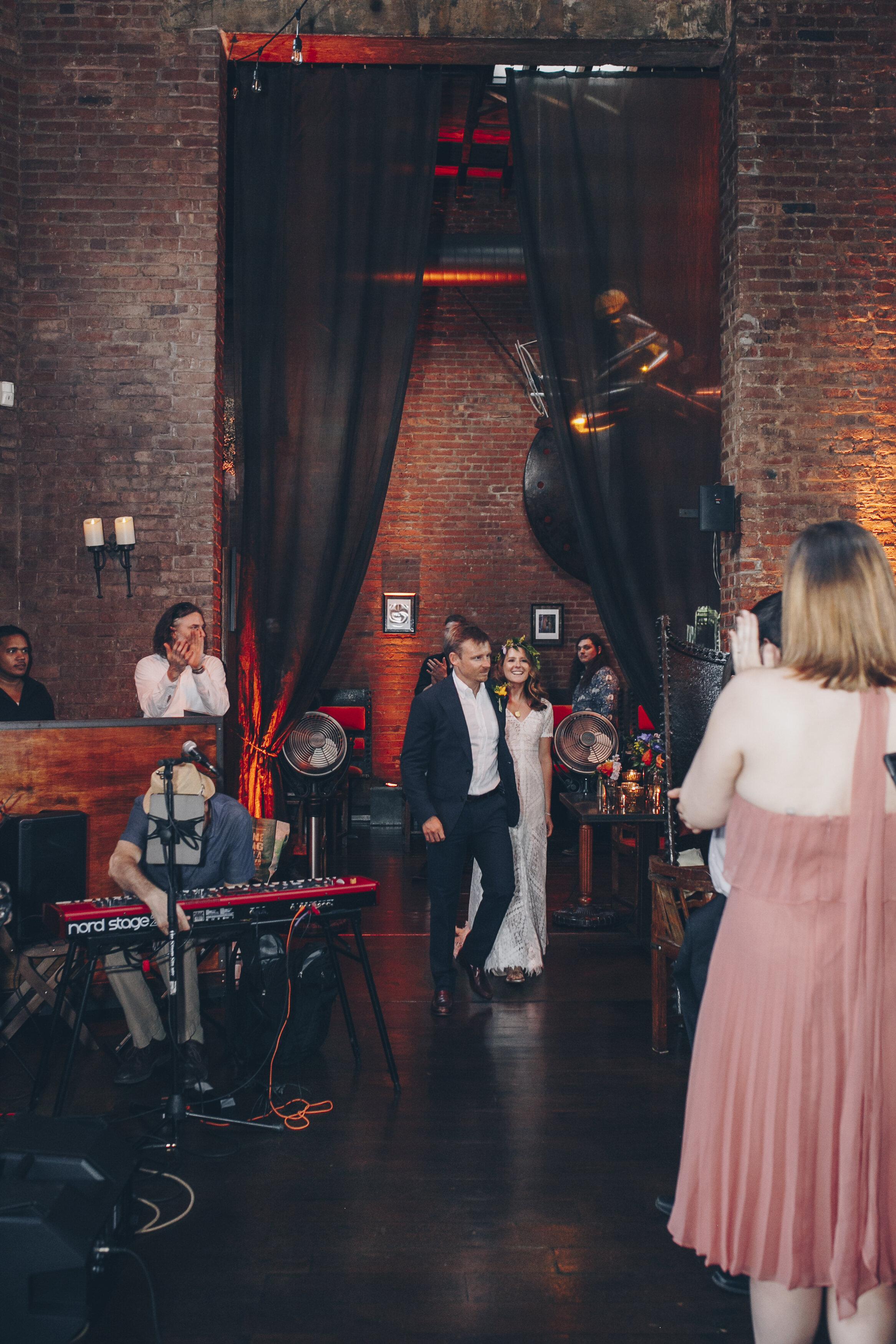 Tess & Rich wedding by Unveiled-Weddings.com #tessaandrichgethitched