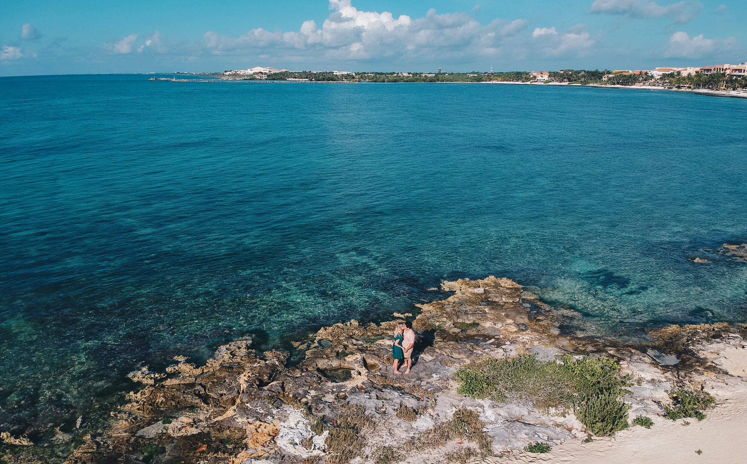 Amelia & William: Engagement Session in Puerto Aventuras, Riviera Maya, Mexico by Unveiled-Weddings.com
