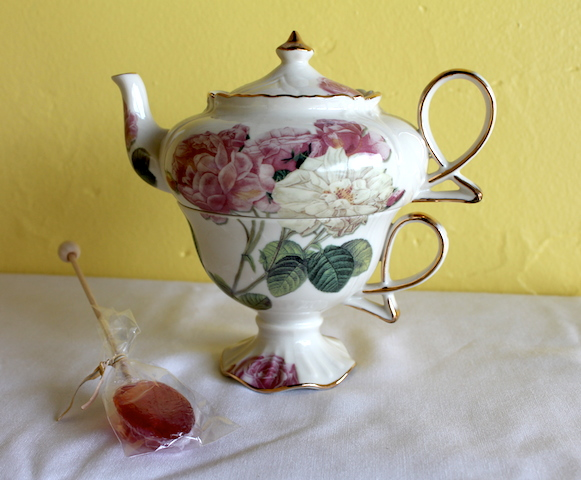 Fancy Teapot with Cup - honey lollipop.jpg