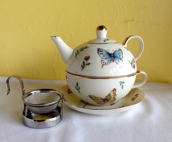 Tea for one with strainer.jpg