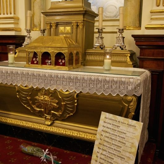 A  reliquary  containing bones from the Canadian Martyrs can be found in this chapel.