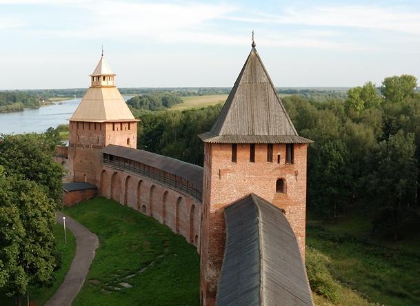 Velikiy_Novgorod_Detinets_08.jpg