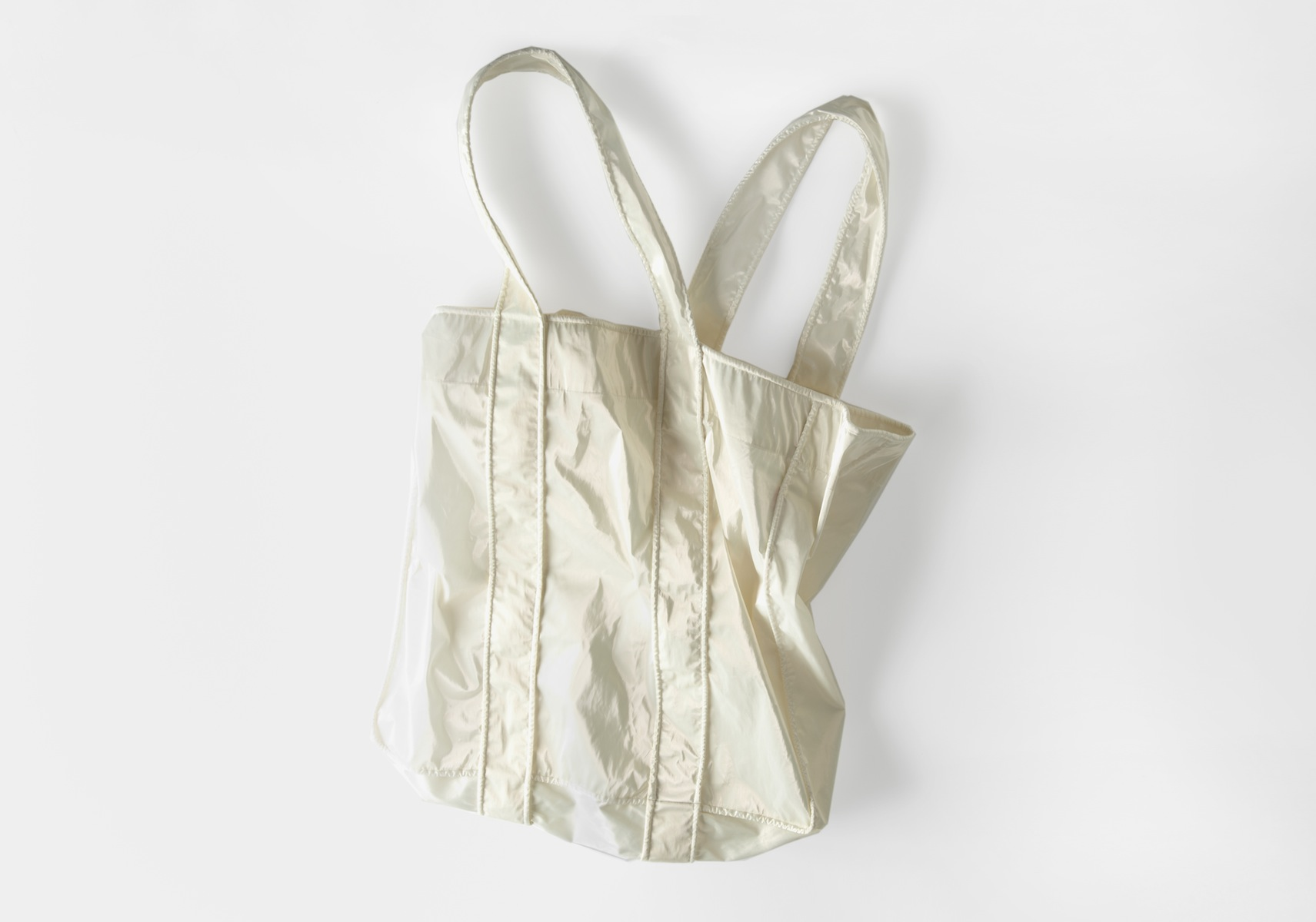 4in.beach bag mother of pearl .jpeg