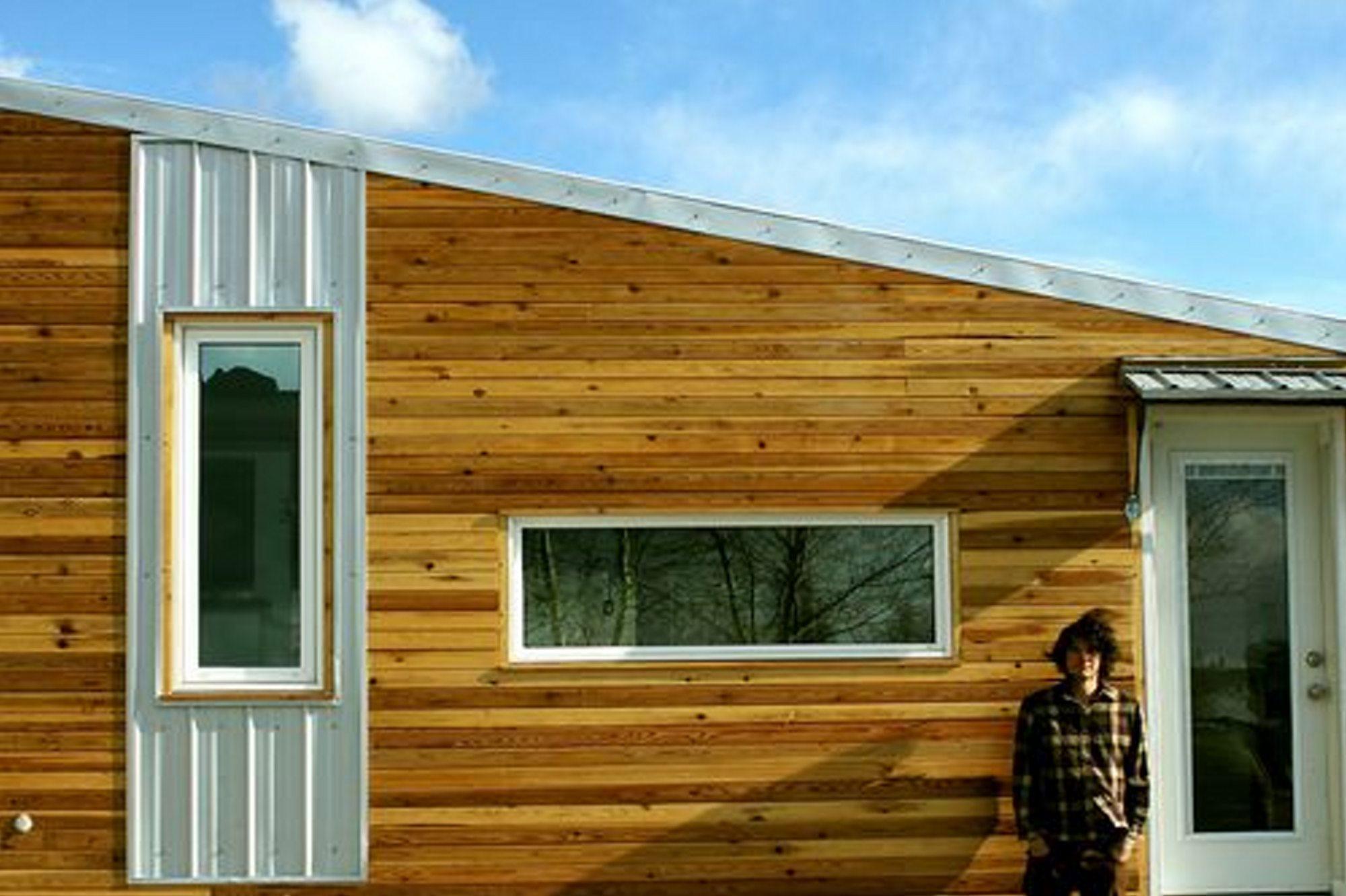 Leaf-House-Yukon-Canada-Exterior-Detail.jpg