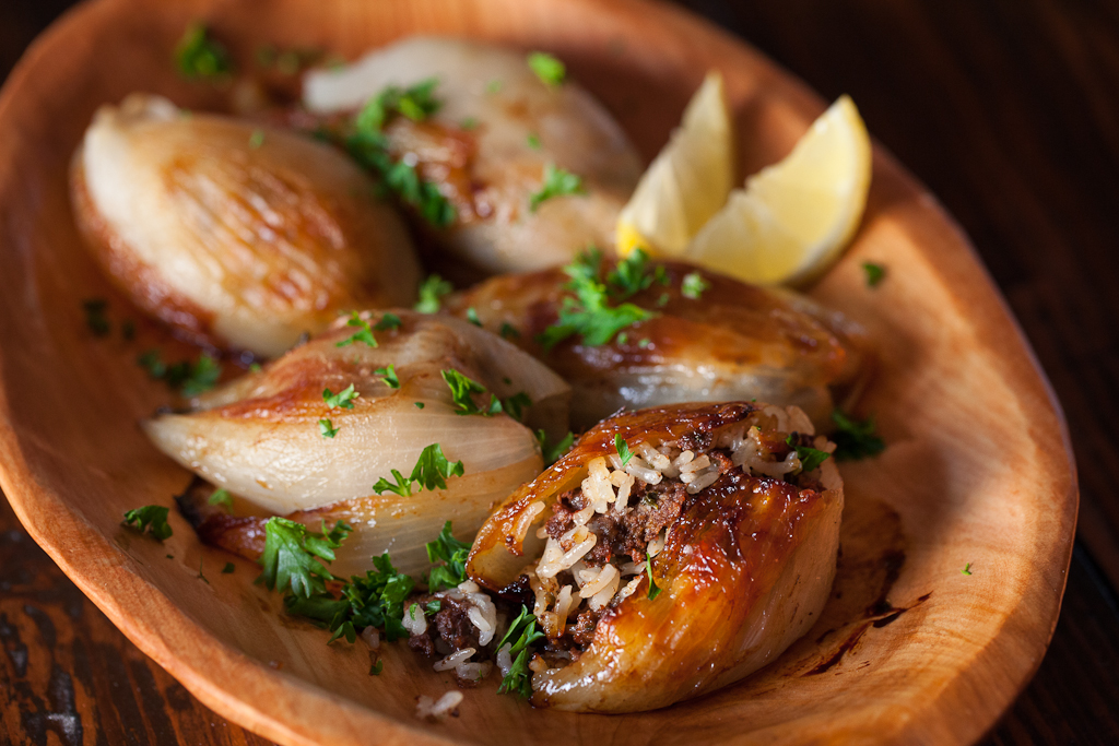 moroccan-stuffed-onions-recipe-1070.jpg