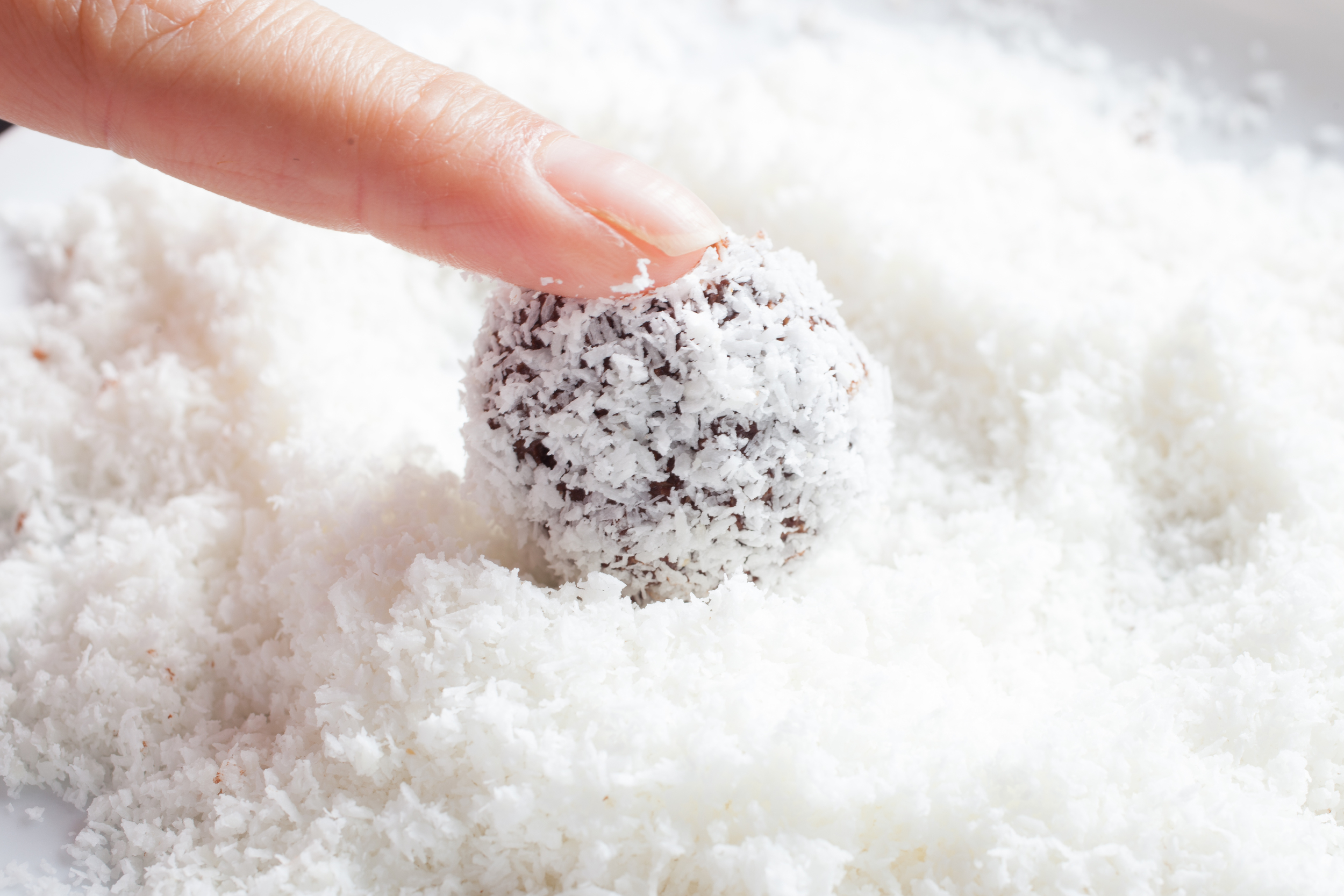date & roll mademoiselle jules energy ball food recipe mlle