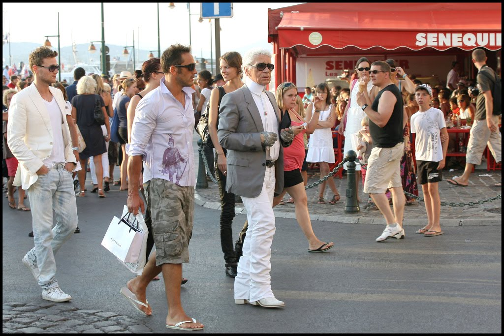Candids - In Saint Tropez with Karl 8-11-09 HQ via WENN 1.jpg