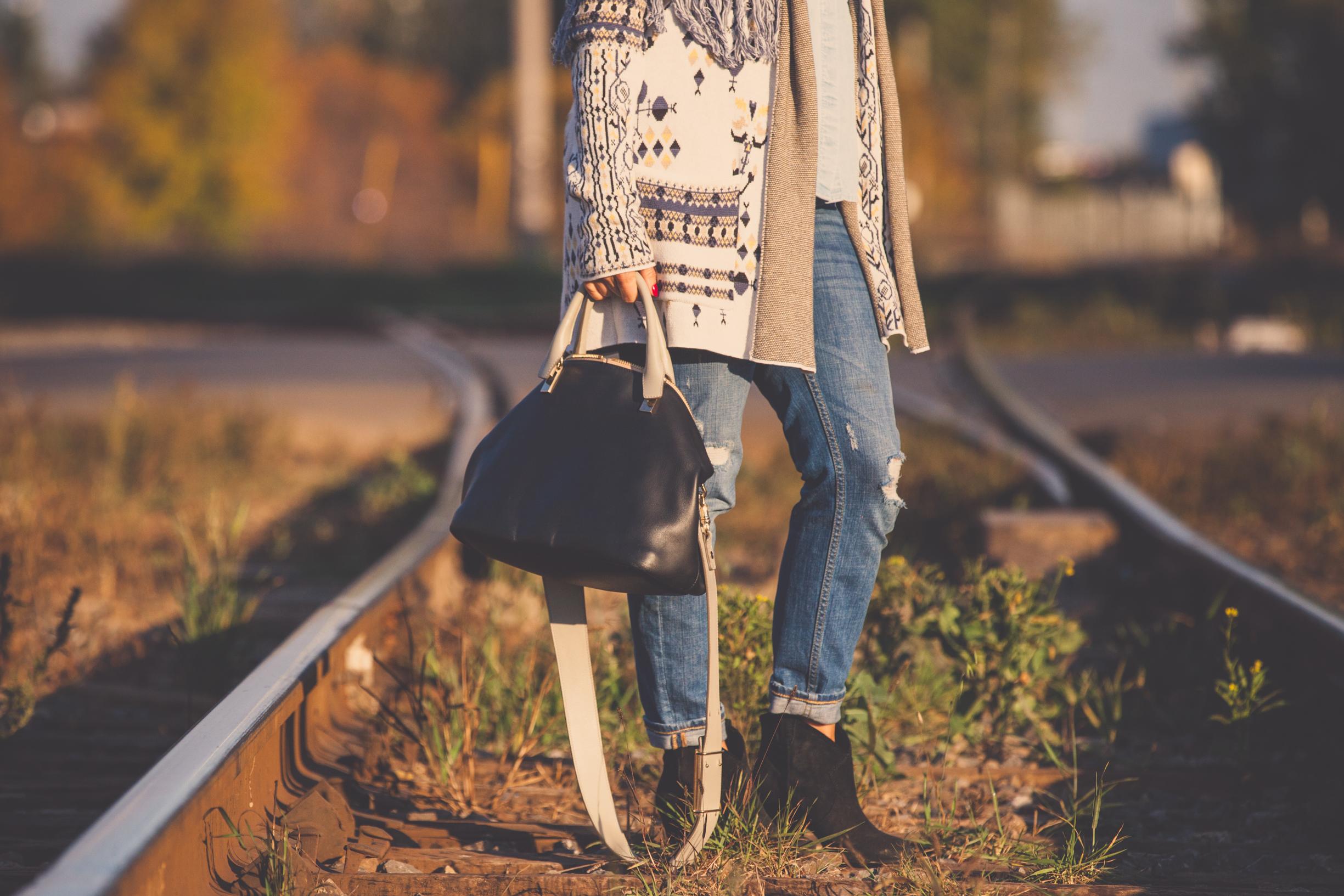 Baylee Chloe bag on mademoiselle jules blog