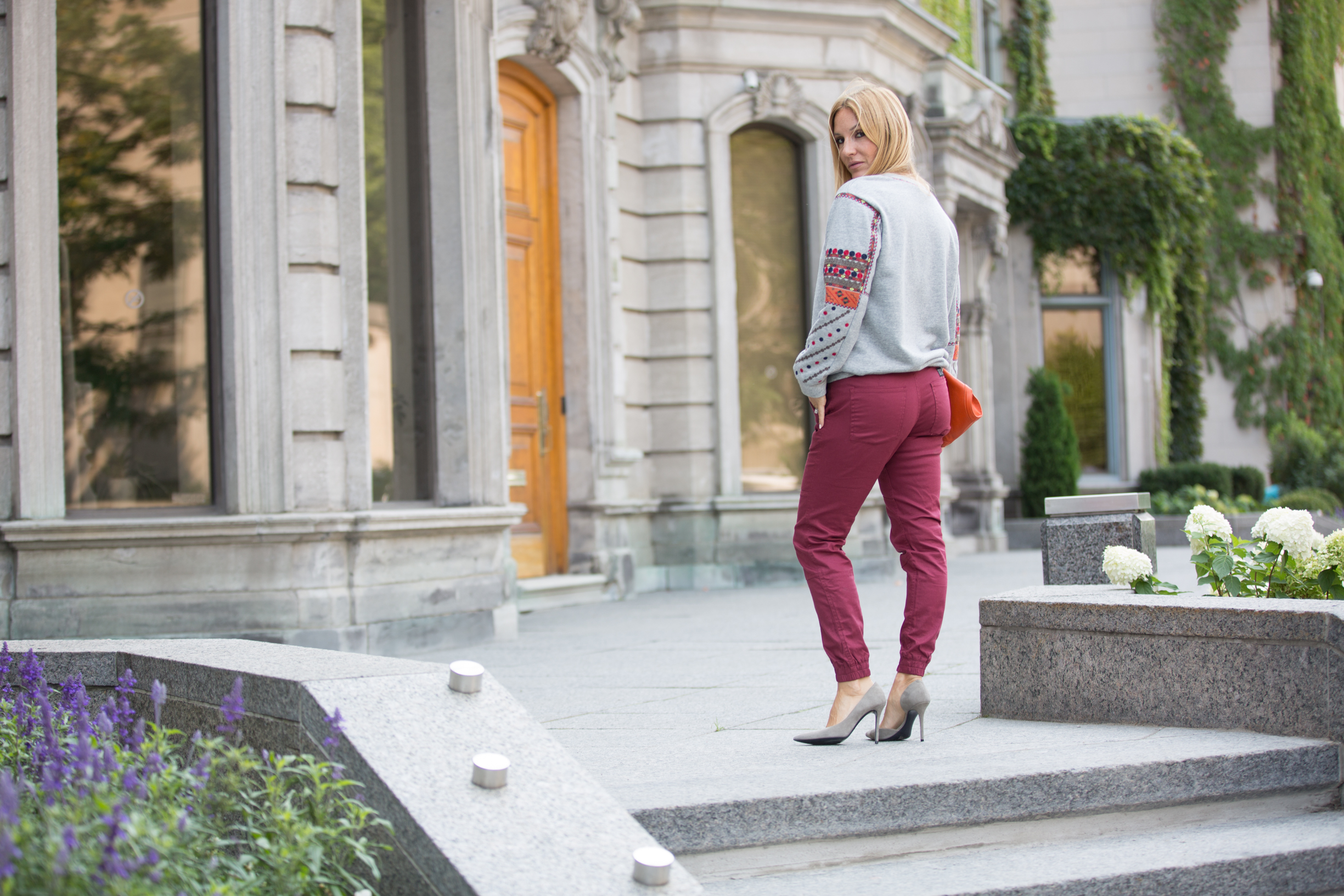 BCBG sweater on mademoiselle jules fashion Canadian blogger