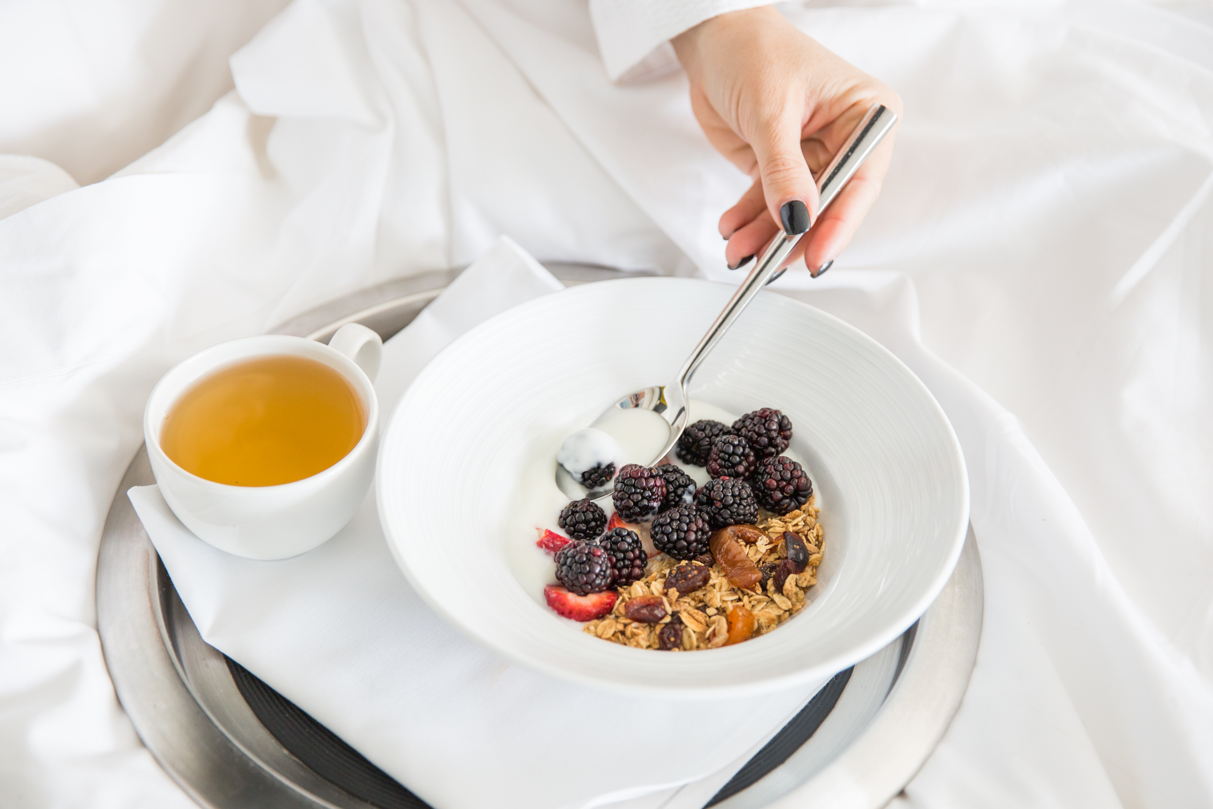 breakfast in bed with Endy sleep by mlle jules lifestyle blogger