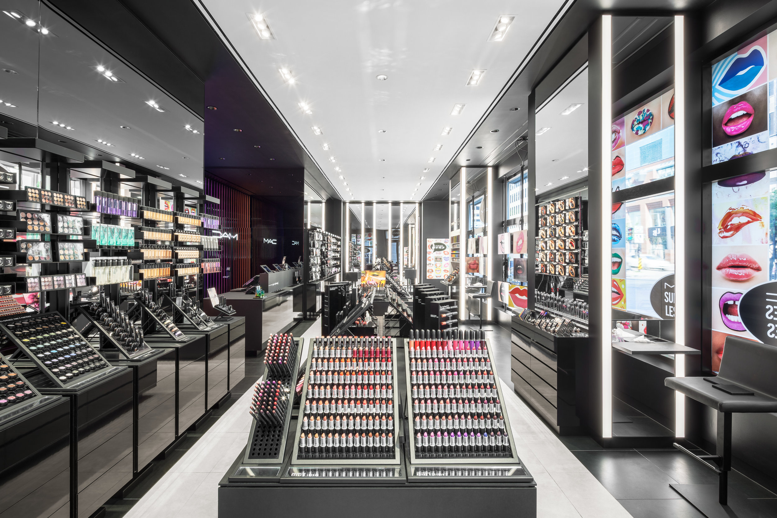 beauty blog mademoiselle Jules mlle blogger M.A.C. PRO make up flagship store ste-catherine