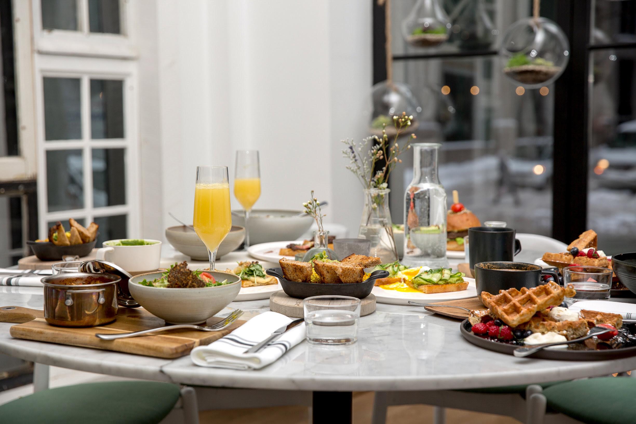 lov , a new botanical restaurant in Old Montreal, lifestyle blog mademoiselle jules, mlle jules, brunch