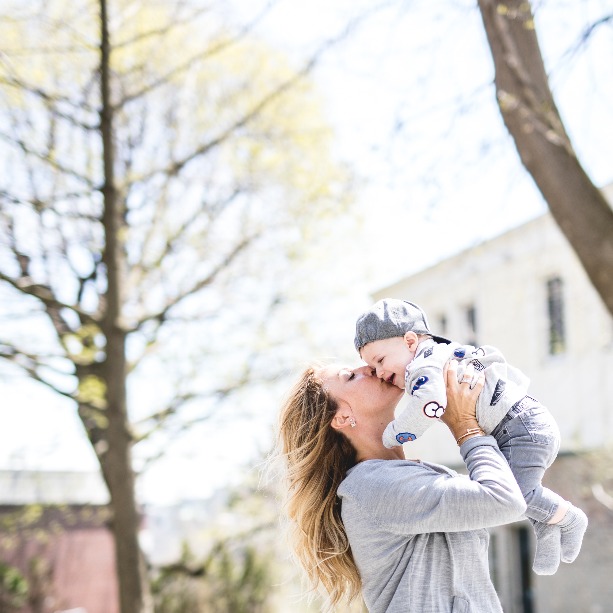 mademoiselle jules lifestyle blogger mommy with her son