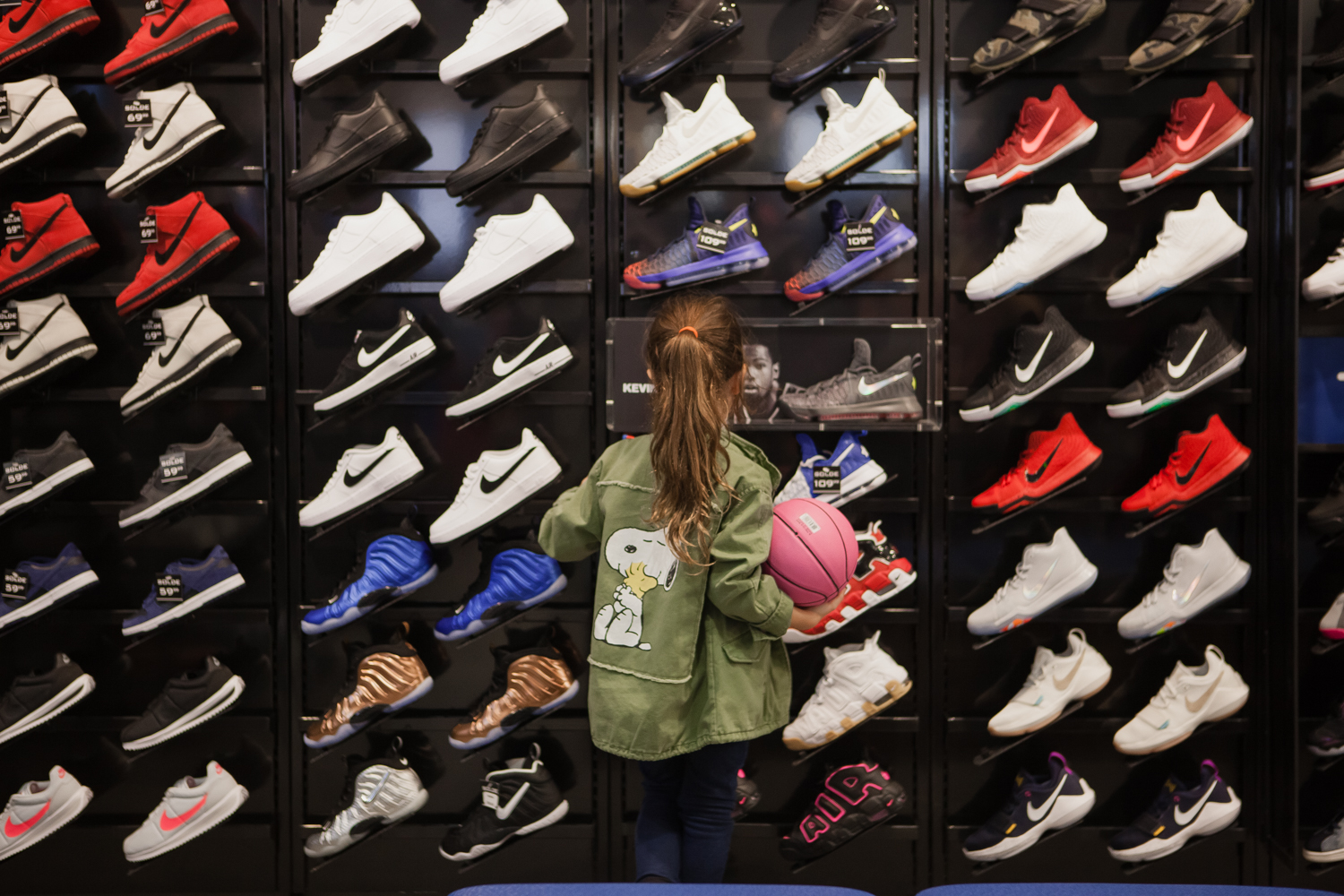 Kids Foot Locker is now in Carrefour laval with mademoiselle jules fashion blogger