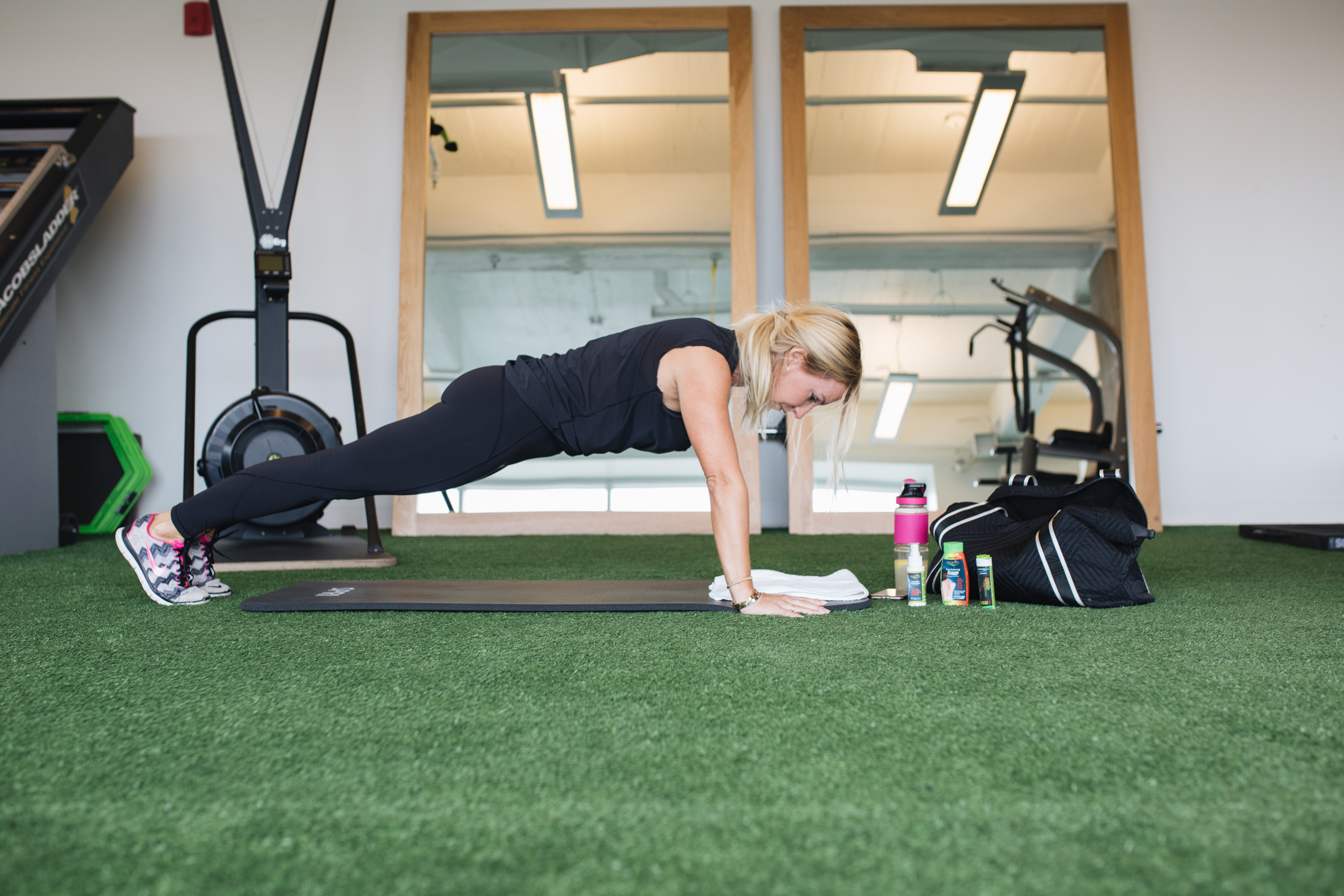 Novarnica natural pain killer arnica sport lifestyle blog mademoiselle jules at the gym