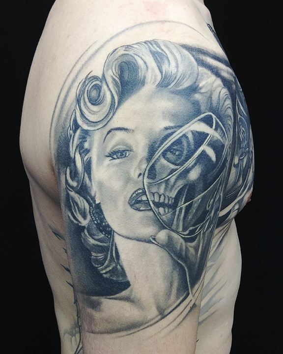 Marilyn skull.jpg