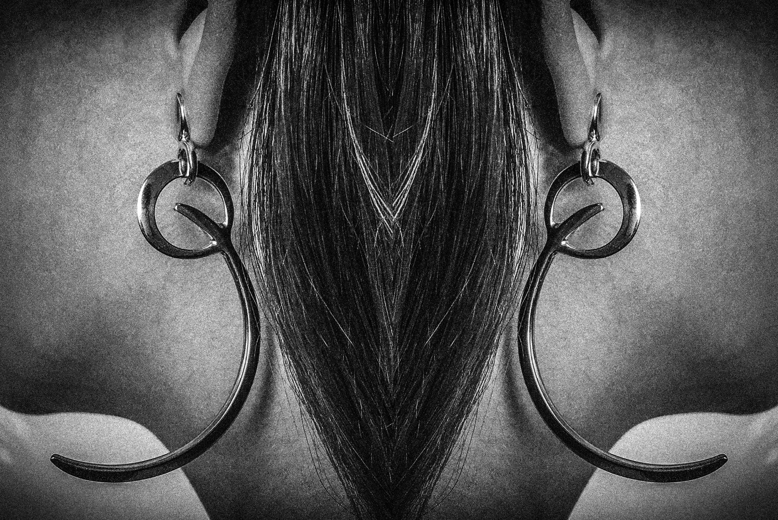 Jovana Djuric Advancer Earring2.jpg