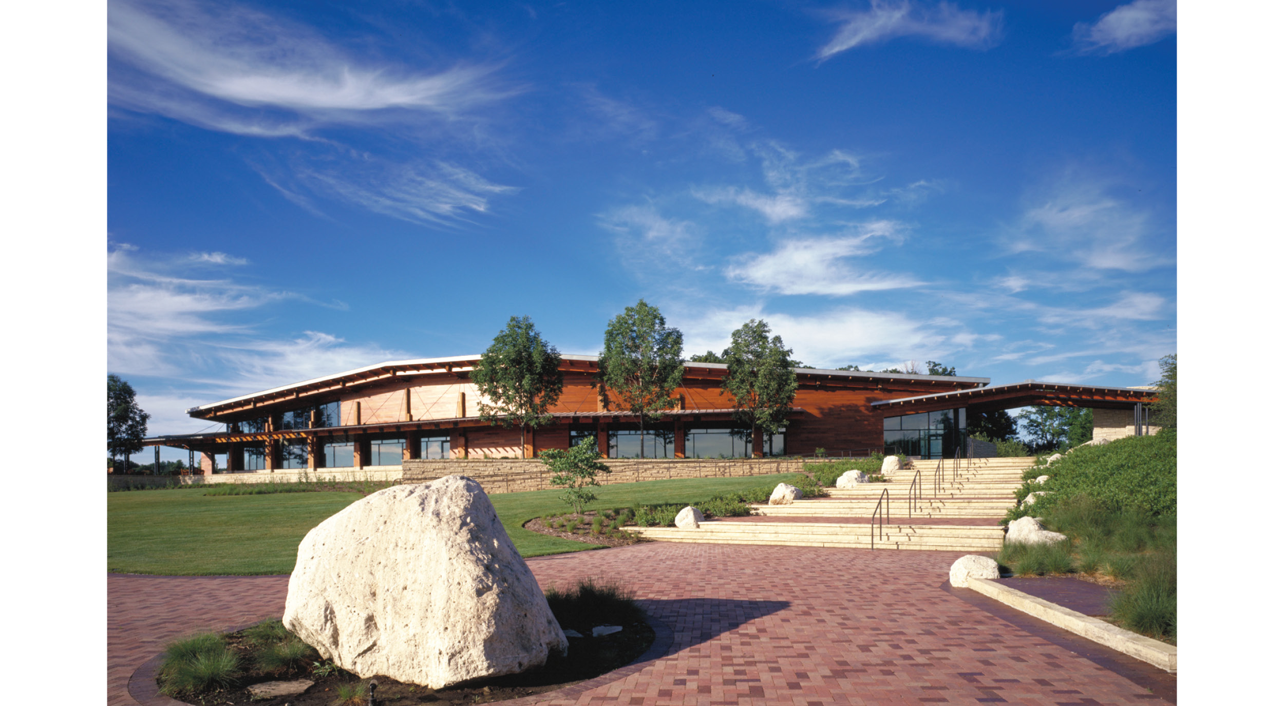 Independence Grove Visitor Center .  Woodhouse Tinucci Architects