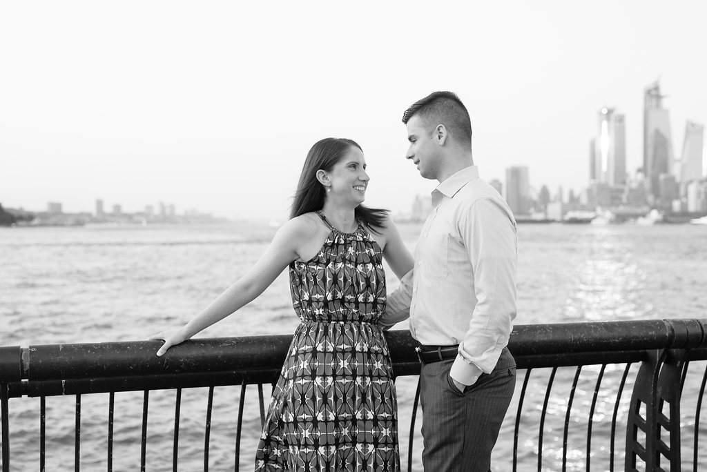 HobokenWaterfrontEngagementSession-NewYorkCitySkyline-NewJersey-Cait+Paul-OliviaChristinaPhoto-1(27).jpg
