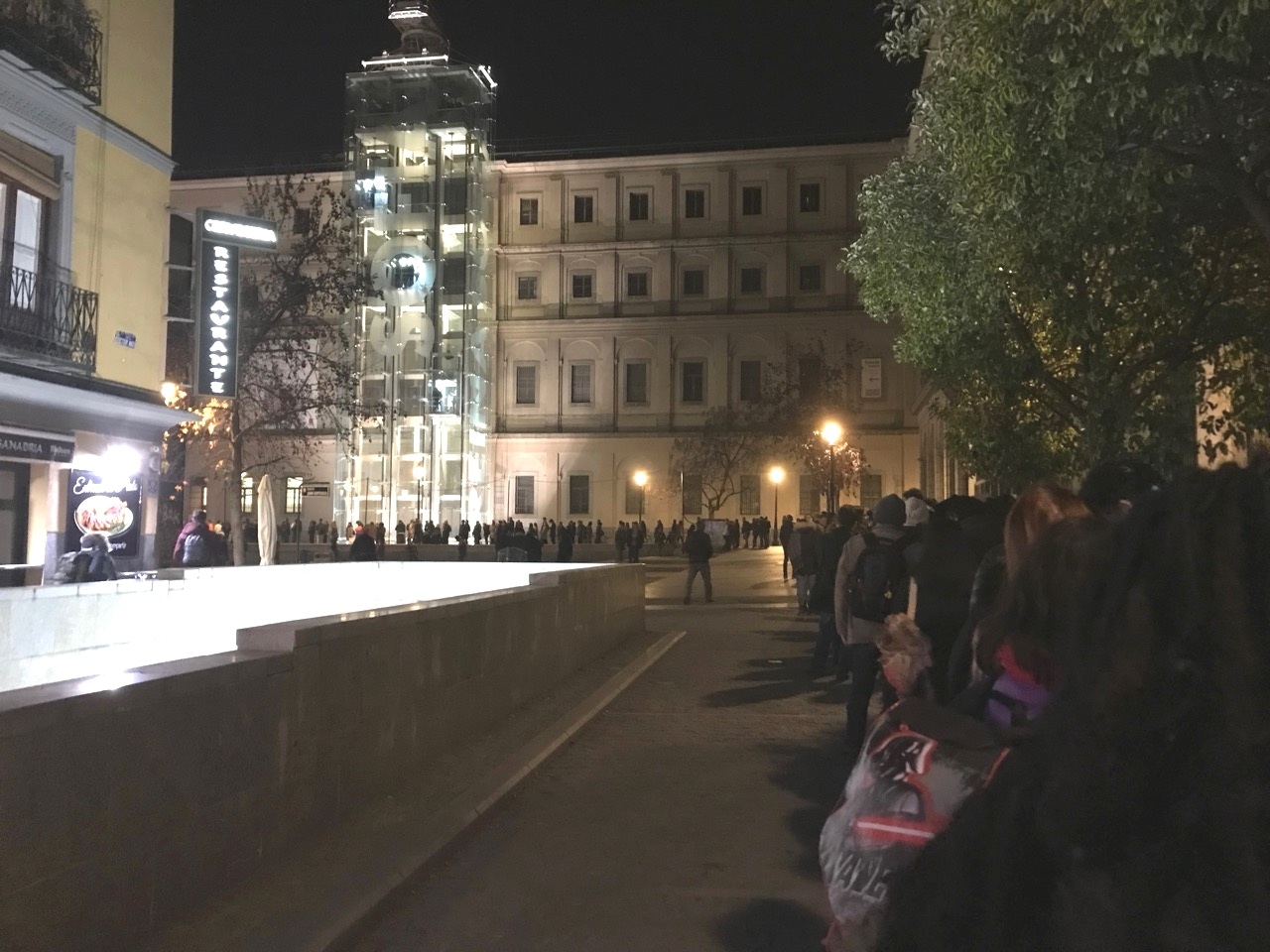 The line at the Reina Sofia | Madrid, SP
