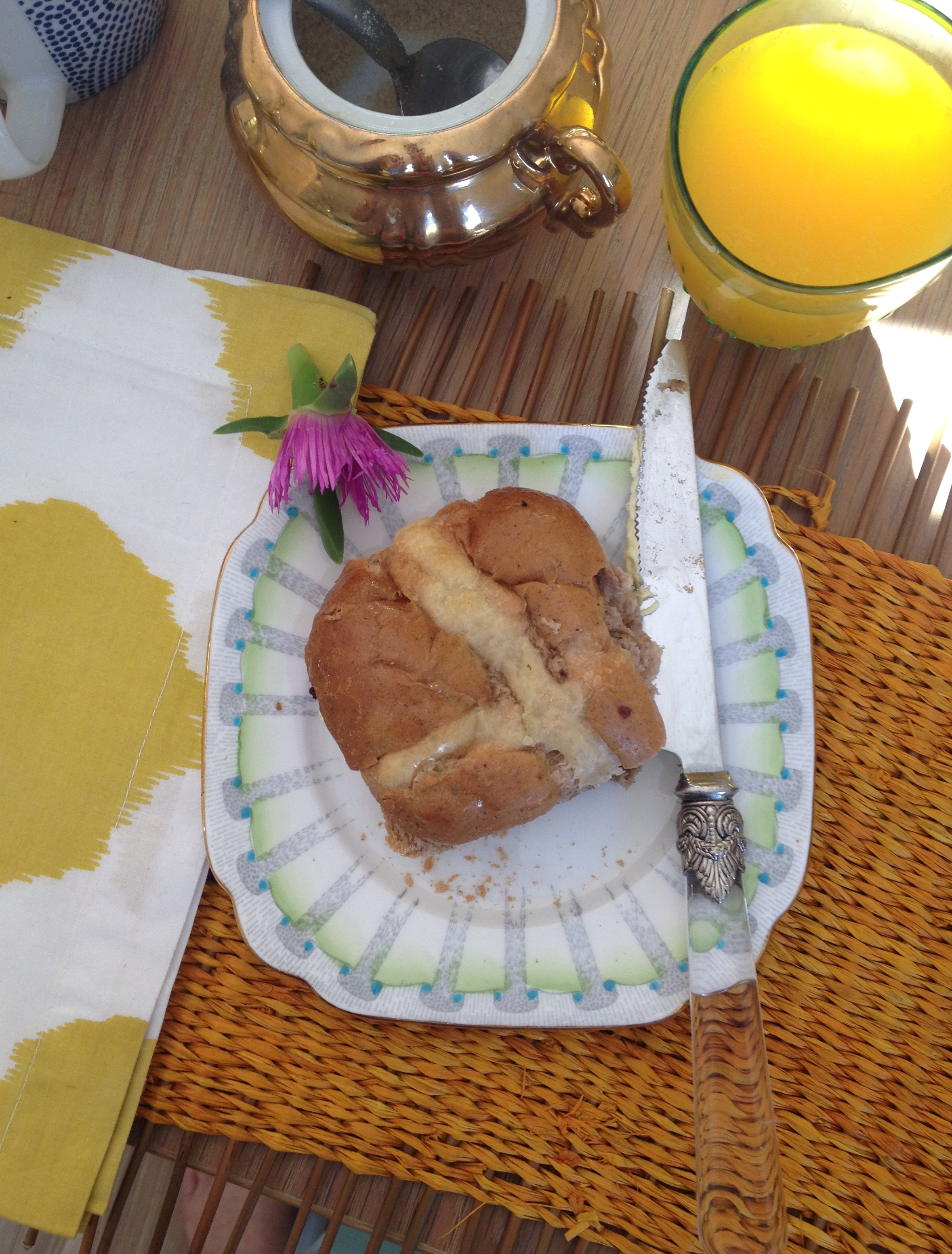 oandystudio.easter-breakfast-hot-cross-buns-south-african-cape-town-delicious